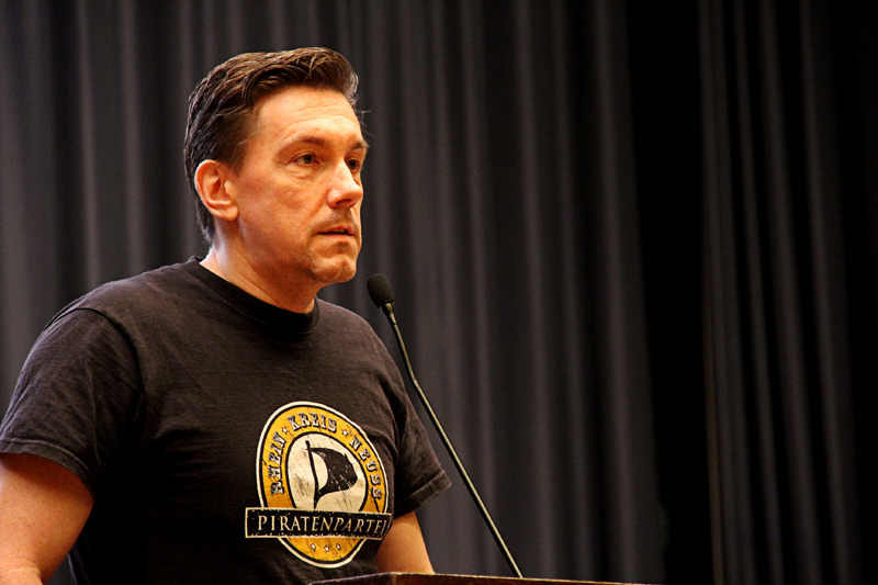 PIRATEN NRW - LPT KLEVE - KANDIDAT DANIEL RASOKAT - FOTO KOMPASS - be-him CC BY NC SA - IMG_8125 - BLOG