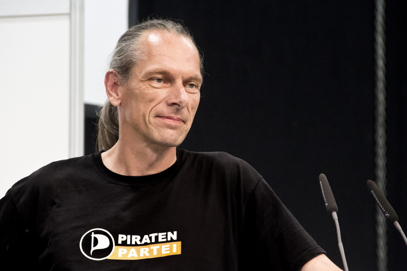 PIRATENPARTEI - BERND SCHREINER - FOTO - KOMPASS - be-him CC BY NC ND - BLOG