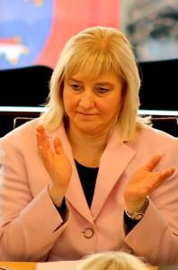 Eva_Kuhne-Hormann_(MdL_Hessen_2014-01-18_1)-cc-by-sa-3-0-Oliver-Abels-SBT-Wikipedia