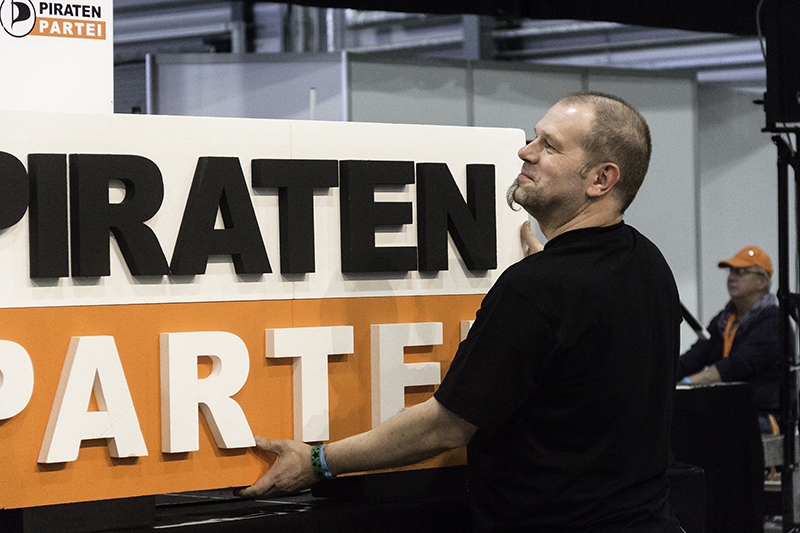 PIRATEN PRESSEMAPPE - PARTEITAG - NA LOGO - be-him CC BY NC ND -