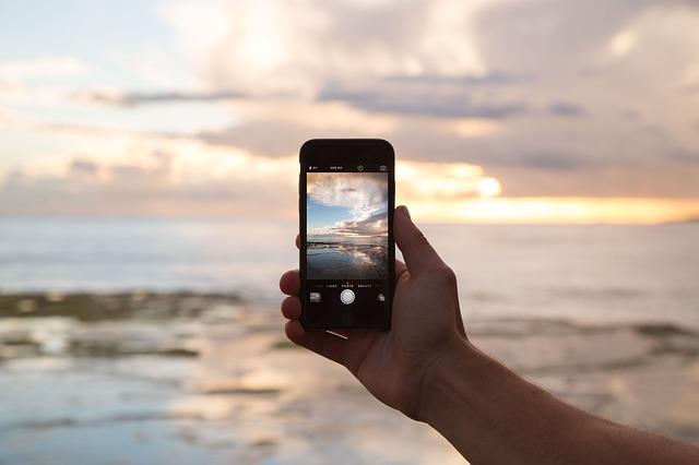 konzept-handy-smartphone-690091_640-cc0-pixabay
